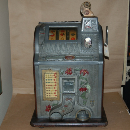 1929 Mills Poinsettia Nickel Slot Machine-1929 mills poinsettia slot machine